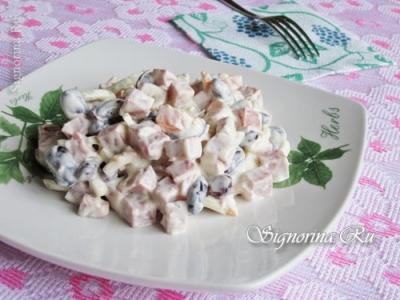 Салат с копченой колбасой, морковью, фасолью и майонезом: рецепт с фото