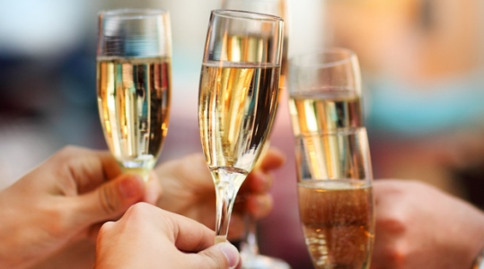 Рецепты новогодних коктейлей «детское шампанское» на Новый Год