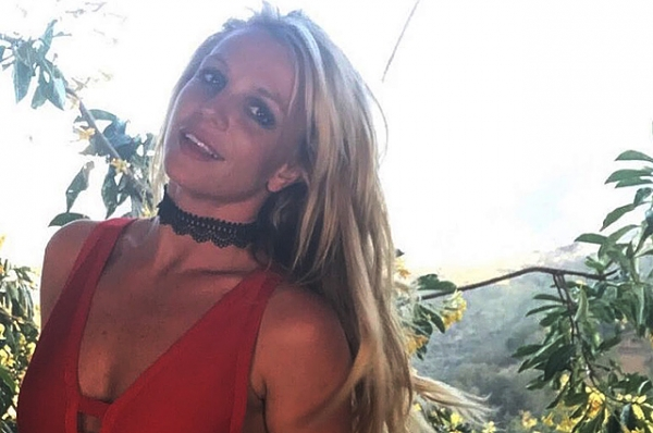 Бритни Спирс зажигает в спортзале: видео